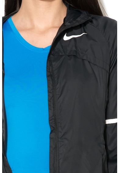 Nike Jacheta usoara cu elemente reflectorizante pentru alergare Femei
